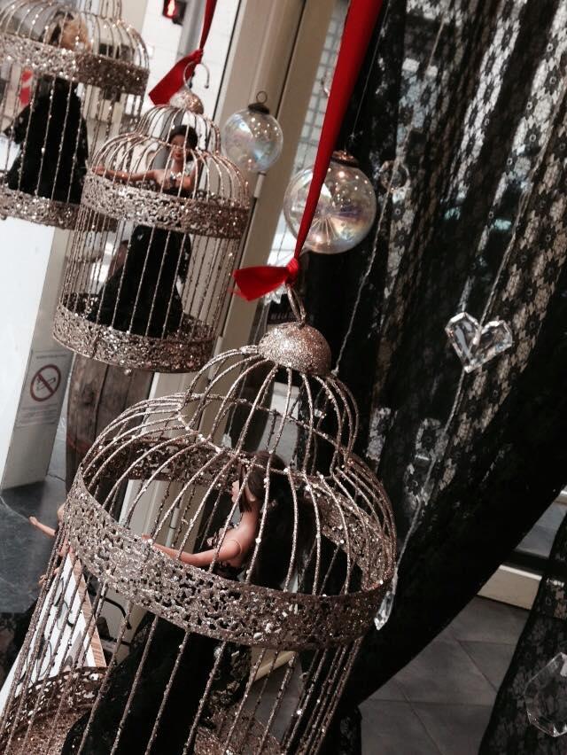 Barbie en Cage